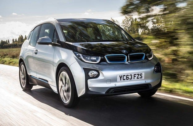 Компанията BMW разработва електрически кросоувър
