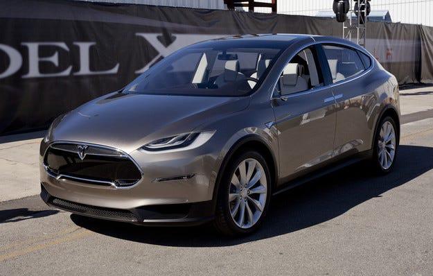 Доставките на Tesla Model X започват след 3-4 месеца