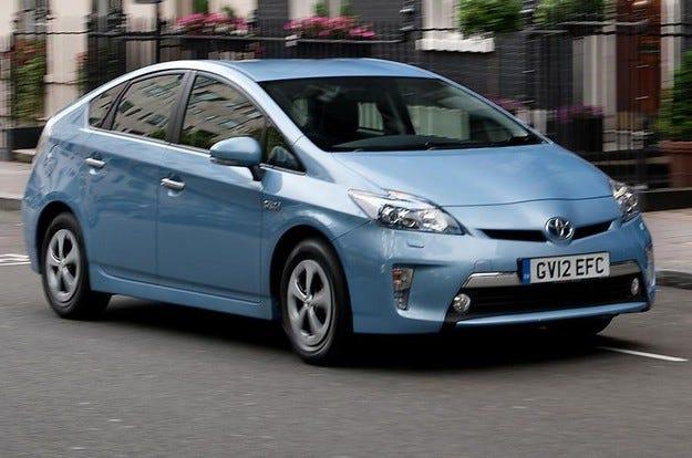 Toyota представя новото поколение Prius до края на 2015