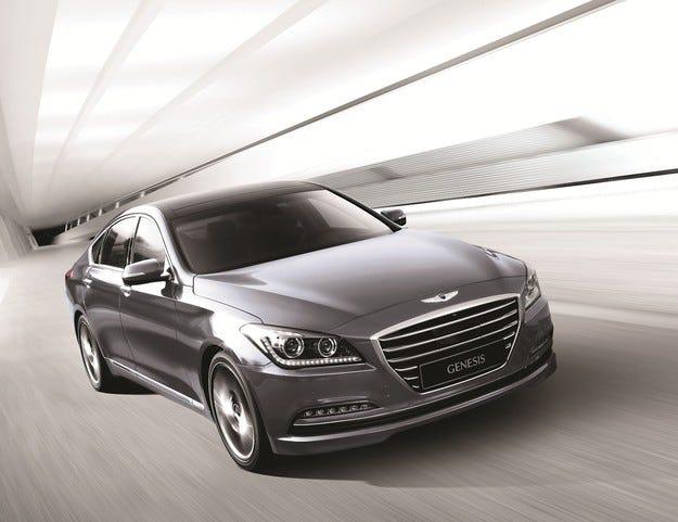 Повече от 100 000 продадени автомобила Hyundai Genesis