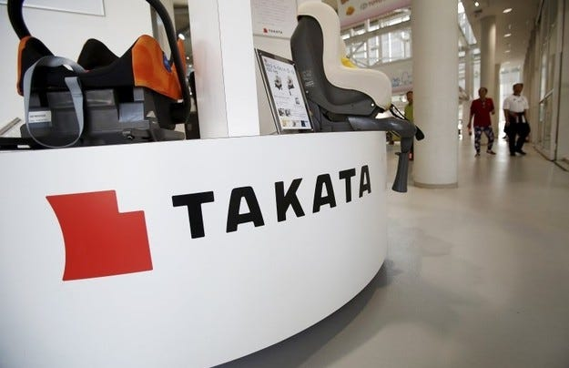Toyota разширява кампанията за възглавниците Takata