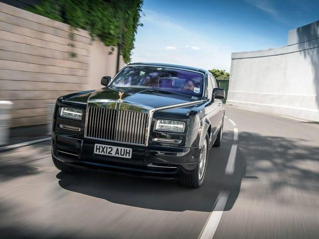 Рязък спад на продажбите на Rolls-Royce в Китай