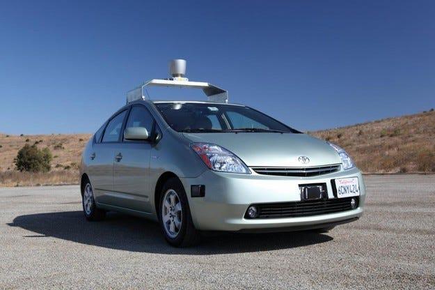Първи инцидент с два автономни автомобила в САЩ