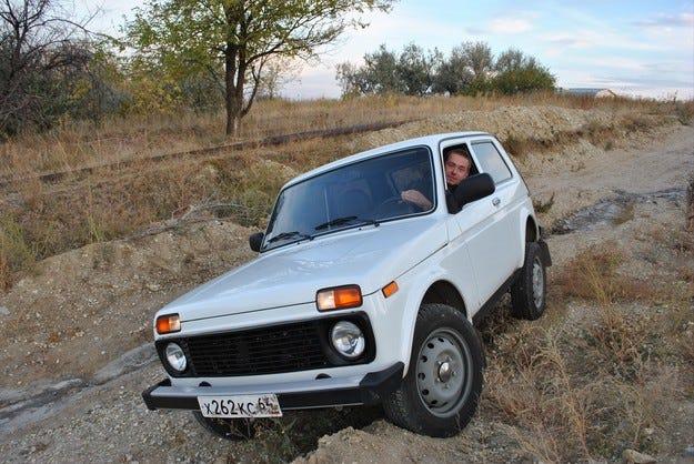 АвтоВАЗ спря производството на кросоувъра Lada 4x4