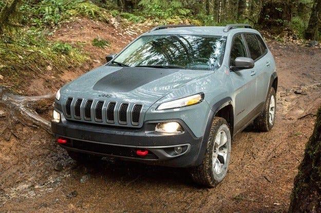 Хакери дистанционно изключиха спирачката на Jeep Cherokee