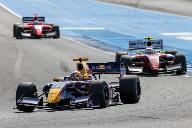 Renault се отказва от Formula Renault 3.5