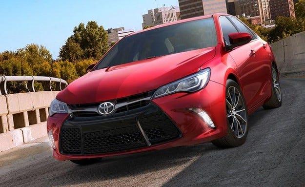 Toyota Camry ще получи 2,0-литров турбо двигател