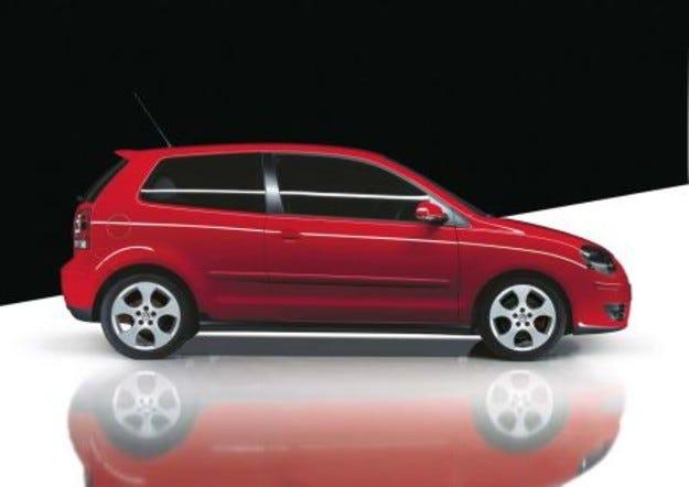 М ТЕЛ дава 101 червени автомобила Volkswagen Polo