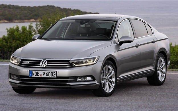 Volkswagen ще обнови седана Passat през есента на 2015