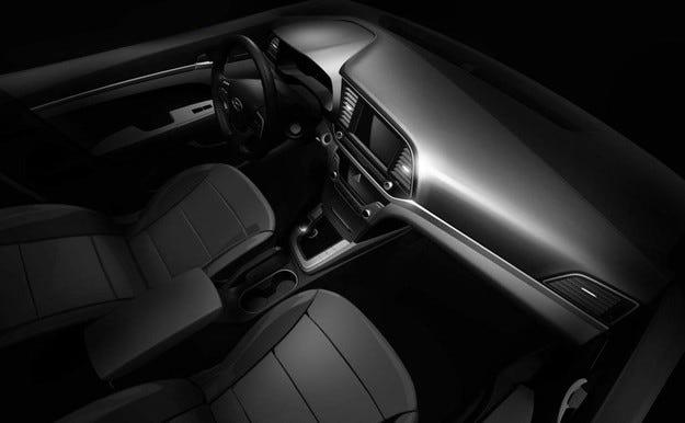 Hyundai показа интериора на новия Elantra