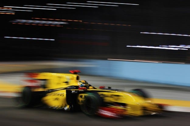 Renault купува Lotus до броени дни