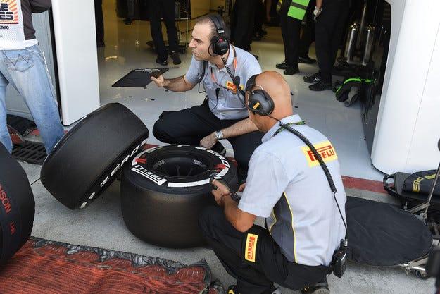 Гран при на Италия: ФИА не наказа Хамилтън