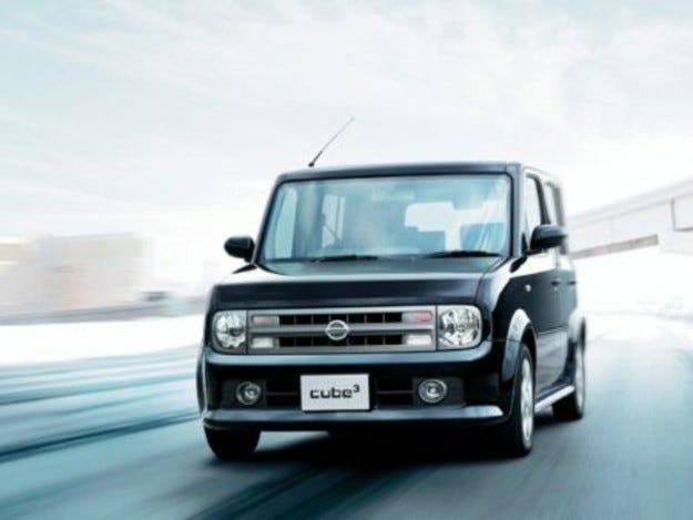 Nissan планира нискобюджетен автомобил