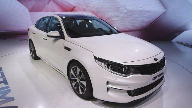 Новият Kia Optima ще се появи и с карсерия комби