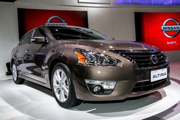 Обновеният Nissan Altima получи оптика в стила на Murano