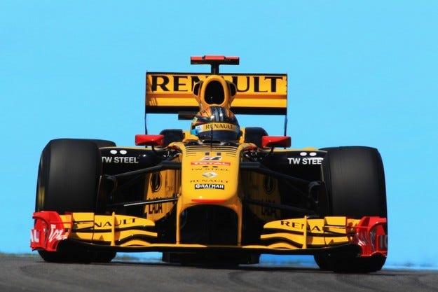 Renault обяви, че купува Lotus