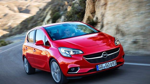 Opel: Проблеми с кормилната уредба на Corsa и Adam