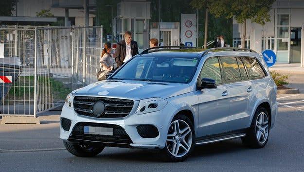 Всъдеходът Mercedes-Benz GLS ще прилича отвън на GLE