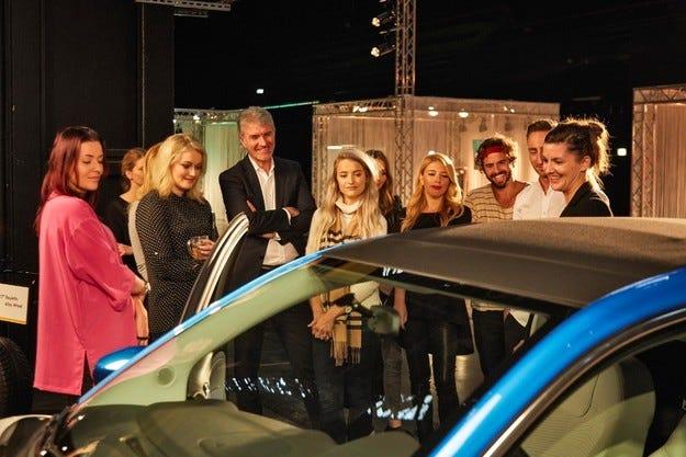 Opel стартира онлайн кампания ADAMYOURSELF