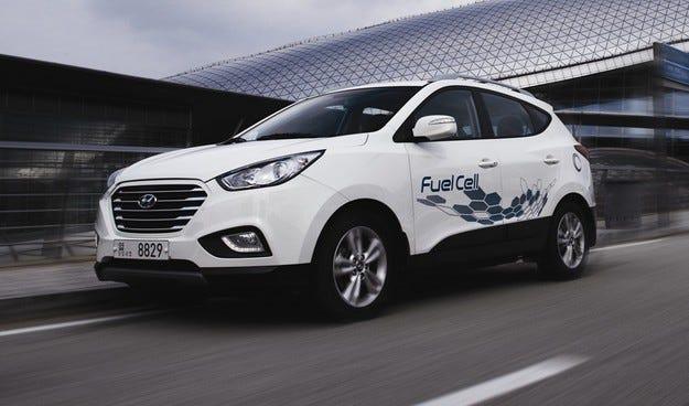 Hyundai Motor доставя пет автомобила ix35 Fuel Cell в Париж