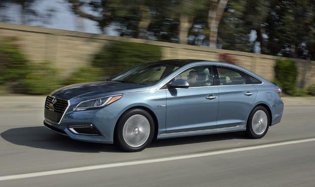 Hyundai Sonata с наградата TOP SAFETY PICK+ на IIHS