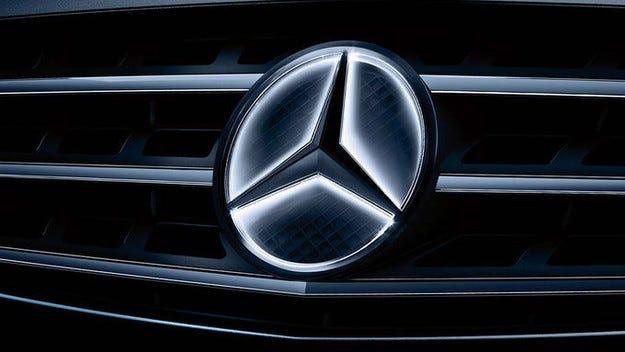 Mercedes-Benz отзовава 840 000 автомобила в Америка