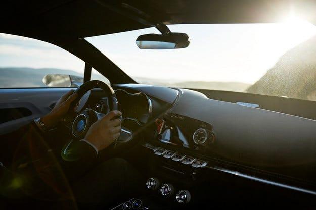 Renault разсекрети интериора на новия спортен Alpine