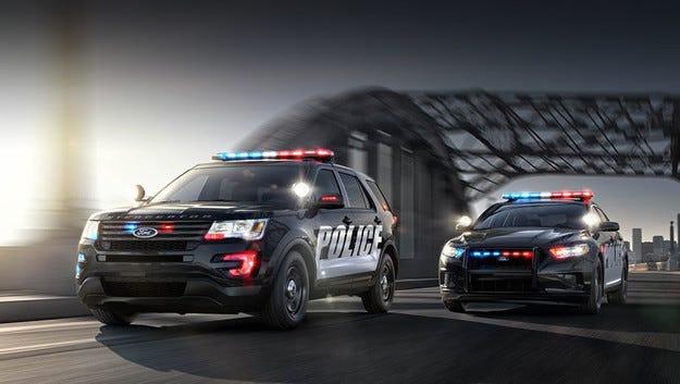 Седанът Ford Police Interceptor получи сериозна бронировка