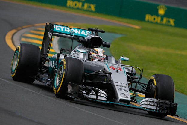 Гран при на Австралия: Хамилтън спечели първия пол