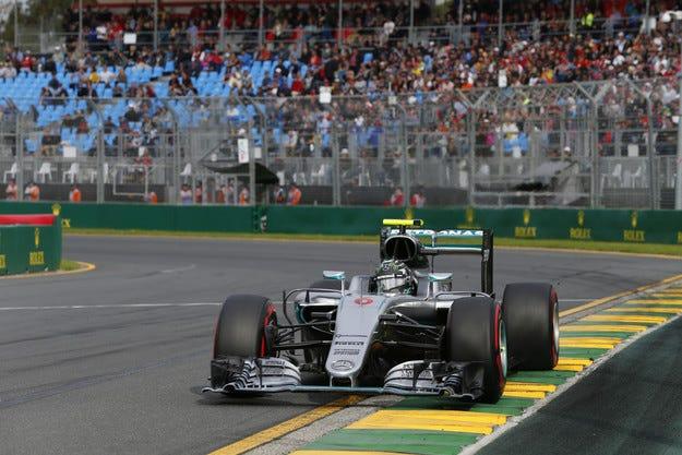 Гран при на Австралия: Късметът се усмихна на Розберг