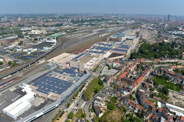 Audi спря работа в завода в Брюксел след бомбените атаки
