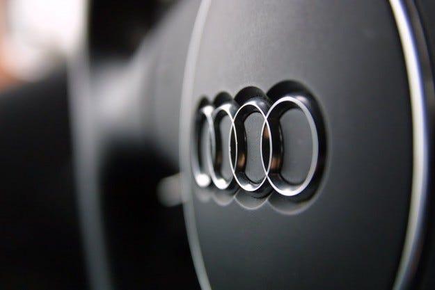 Работниците на Audi в Унгария заплашват със стачка