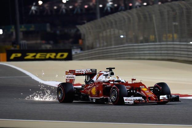 Ferrari ще смени двигателя на Фетел
