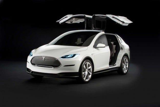 Увеличиха пробега на Tesla Model X с едно зареждане