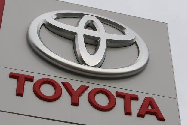 Toyota отбеляза 38% ръст на продажбите на хибридите
