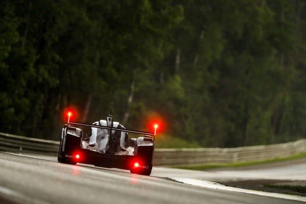 Porsche спечели най-уникалния Льо Ман