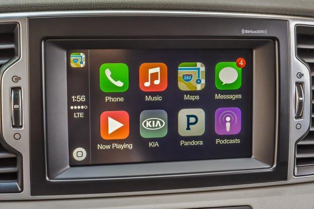 Автомобили Kia ще получат системи CarPlay и Android Auto