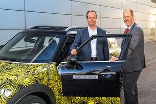 Автомобилите Mini ще получат хибридно задвижване