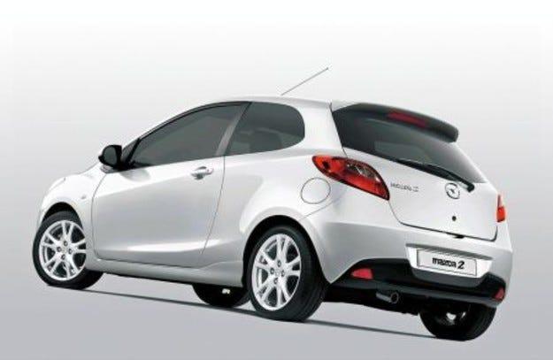 Mazda 2: Две-три