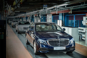 Подписаха договор за нов завод на Mercedes в Москва