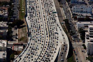 Лос Анжелис е №1 с най-големи задръствания в света
