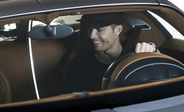 Кристиано Роналдо тества Bugatti Chiron