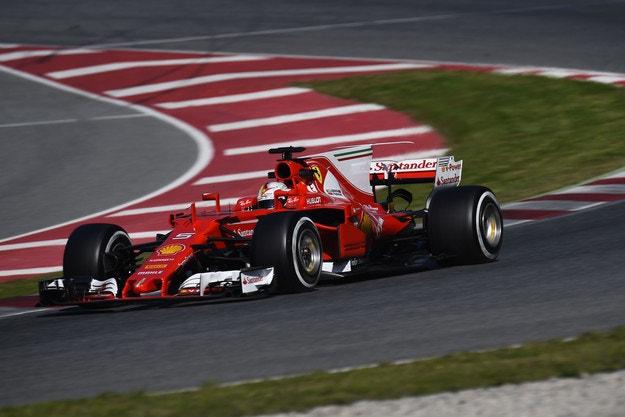 Ferrari направи сериозна заявка за титлата