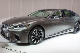 Lexus представя спортния седан LS 500 F Sport в Ню Йорк
