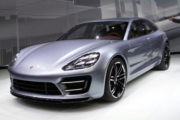 Дилърите на Porsche искат петместна Panamera