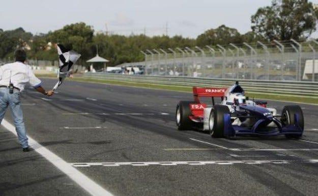 Португалия строи нова писта