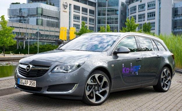 Opel на път към високоавтоматизирано управление