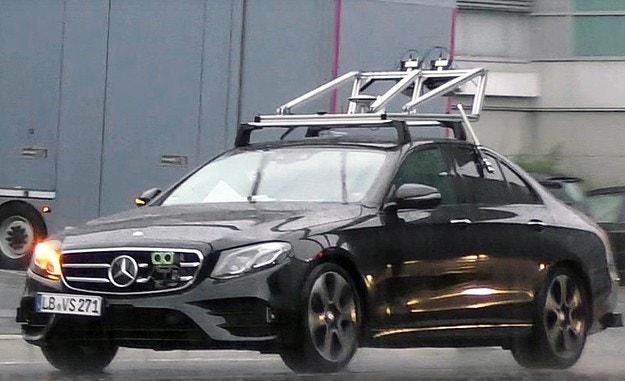 Mercedes-Benz почна изпитания на автономна E-класа
