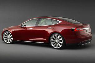След смъртоносната катастрофа с автомобил Tesla
