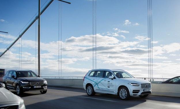Volvo и Nvidia партнират за създаване на автопилот
